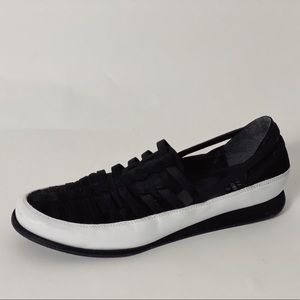 STUART WEITZMAN Cage Cut Out Leather Sneakers